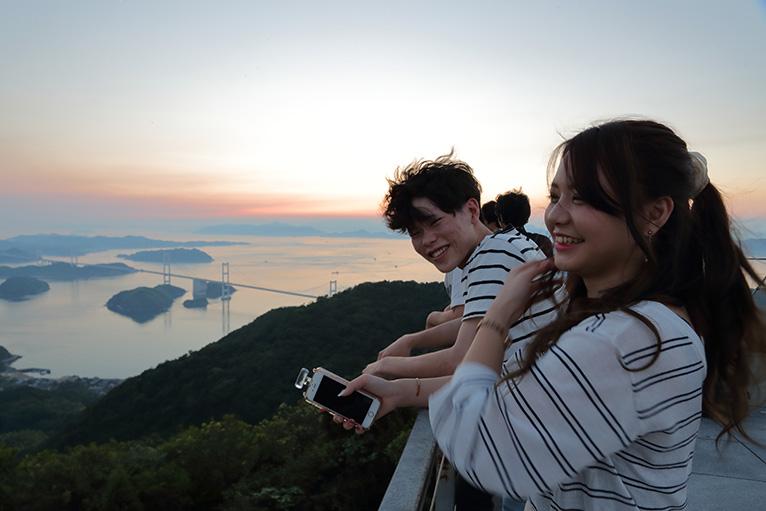 しまなみ海道の亀老山展望台から見る来島海峡大橋はインスタ映えに最高