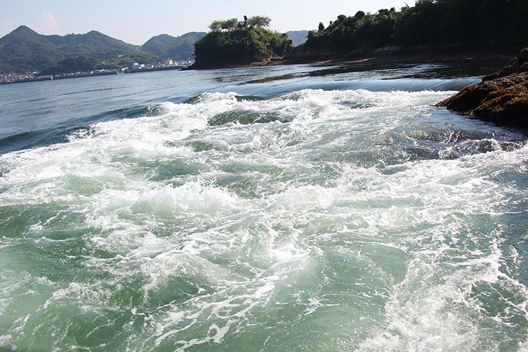 まるで川のような急流が見える宮窪の潮流体験