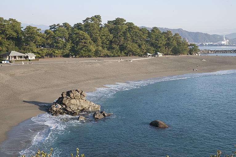美しい桂浜、のんびり散策しよう